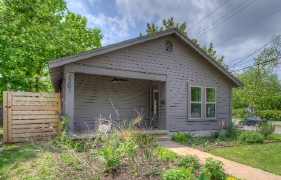 PENDING: 2201-A Haskell Street | MLS No. 6650592